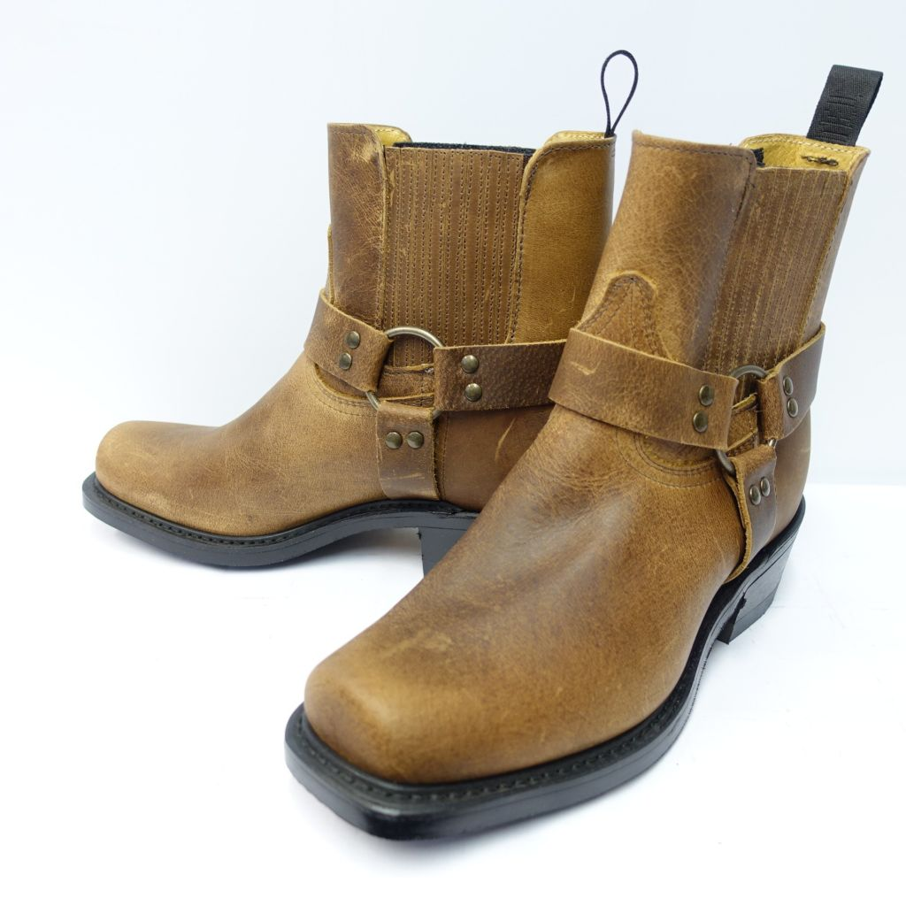 Dogger gold dust boots